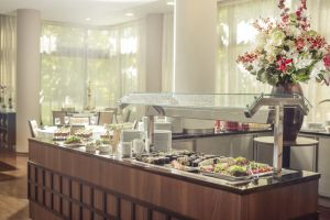 bad-belohrad-spa-resort-tree-of-life-buffet.jpg