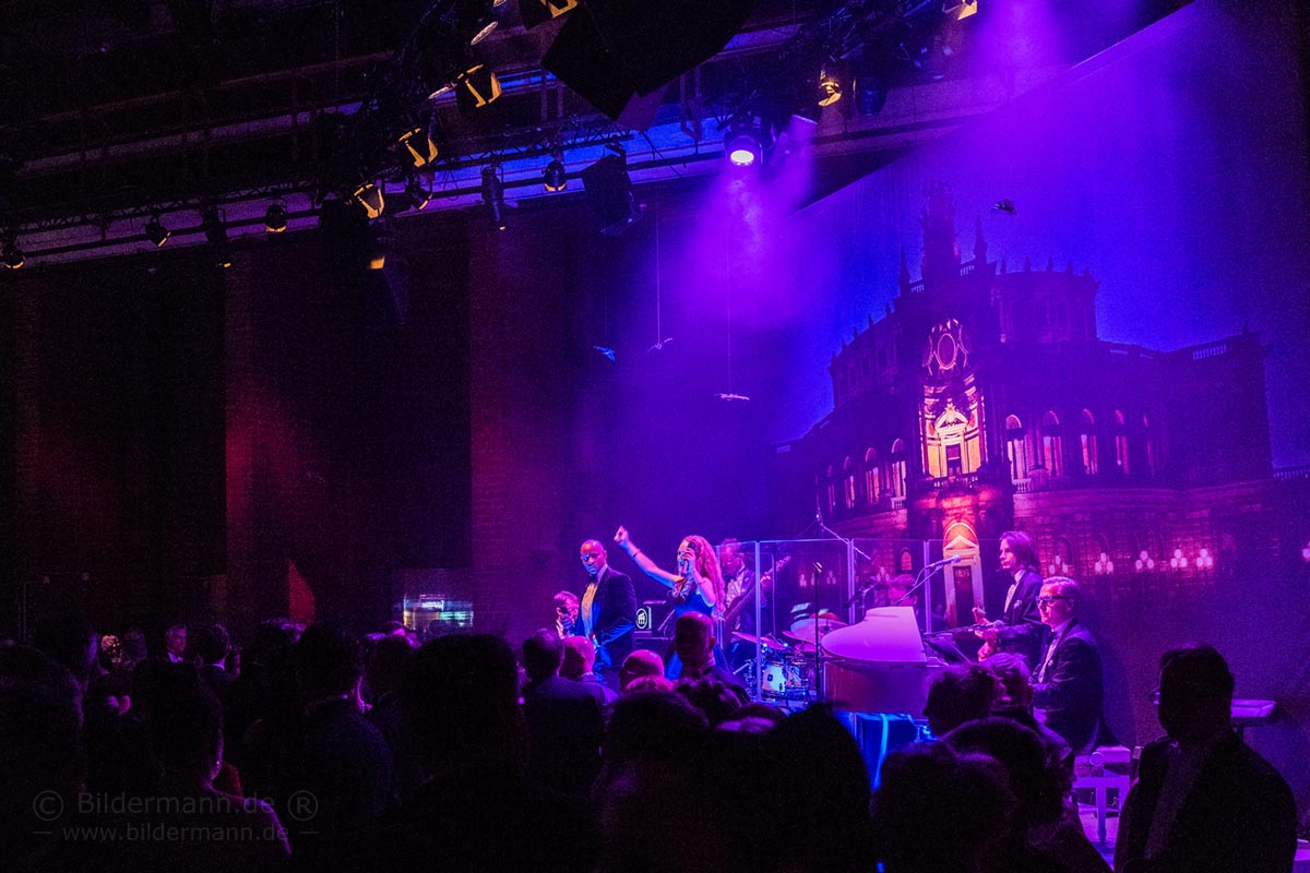 Tanzbar Fledermaus beim Semperopernball - Live Band